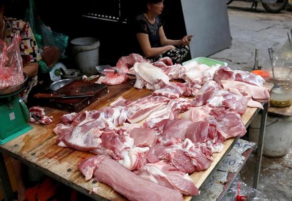 Giá thịt heo tăng cao kỷ lục, người tiêu dùng lao đao