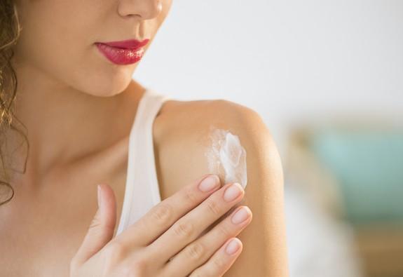 5 kem chống nắng toàn thân phù hợp mọi loại da