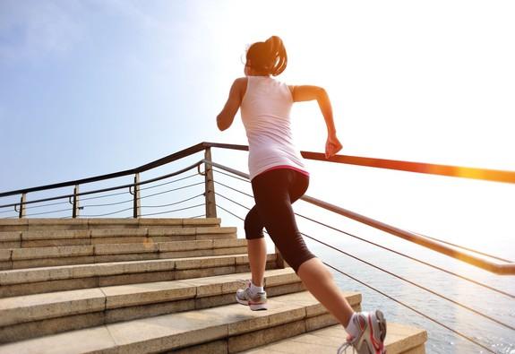 10 phương thức vận động và số calo tiêu hao tương ứng