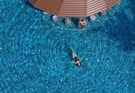 Chọn một nơi lưu trú chỉ vì… hồ bơi đẹp