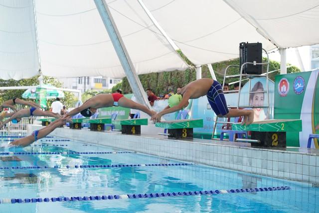 Festival Bơi lội học sinh TP.HCM đã đi đến vòng chung kết - Ảnh 1.