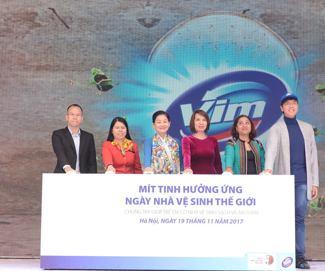 Unilever Việt Nam và Hành trình nhà vệ sinh sạch khuẩn - Ảnh 1.