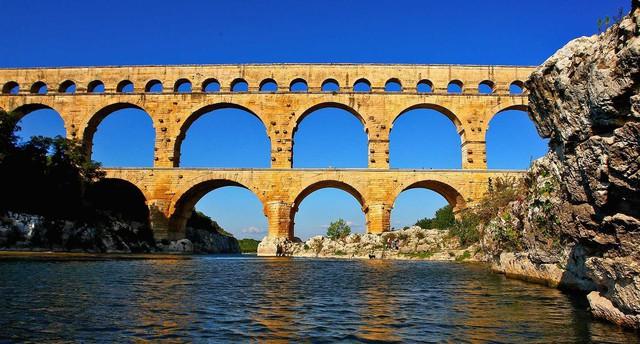 Mùa thu vàng mơ mộng ở Nîmes - Ảnh 16.