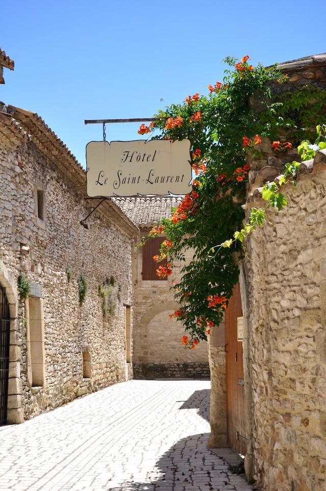 Mùa thu vàng mơ mộng ở Nîmes - Ảnh 5.
