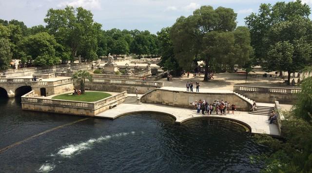 Mùa thu vàng mơ mộng ở Nîmes - Ảnh 11.