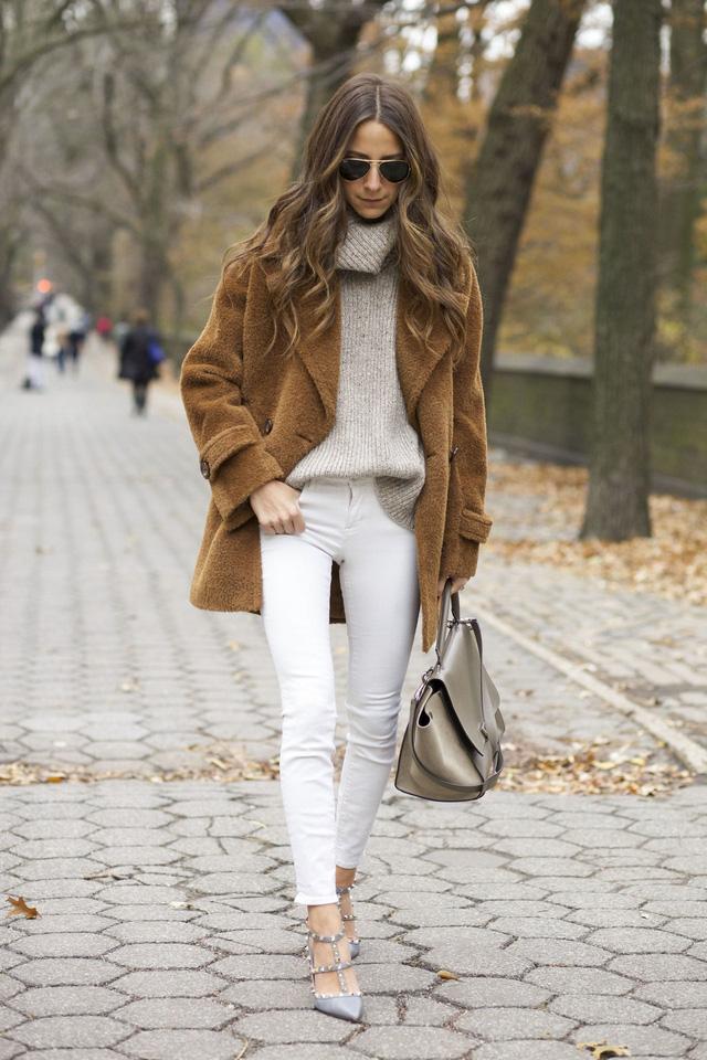 Các bí quyết chọn trang phục ấm mà đẹp cho mùa đông - Ảnh 2.