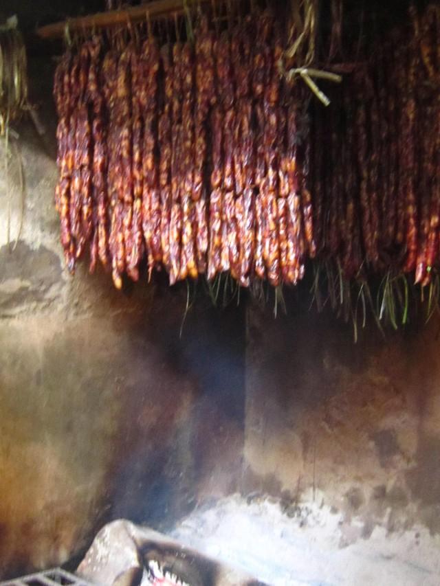 Mường Khương, chợ họp trong sương - Ảnh 9.