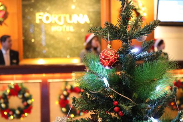Giáng sinh ấm áp tại Khách sạn Fortuna Hà Nội - Ảnh 1.