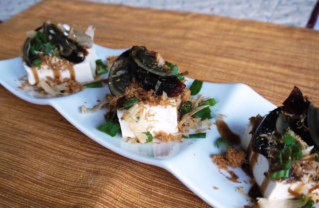 Trứng bắc thảo: món ăn độc và lạ của châu Á - Ảnh 7.