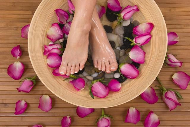 Tay chân buốt lạnh quanh năm, có thể do nguyên nhân bệnh lý - Ảnh 3.