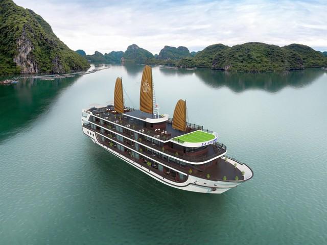 Ra mắt du thuyền 5 sao La Regina Legend trong tháng Tám - Ảnh 1.