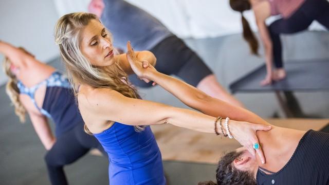10 lưu ý cho người bắt đầu tập yoga - Ảnh 3.