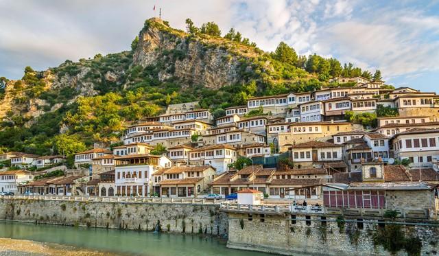 Albania – vùng đất đẹp ẩn mình giữa châu Âu - Ảnh 5.