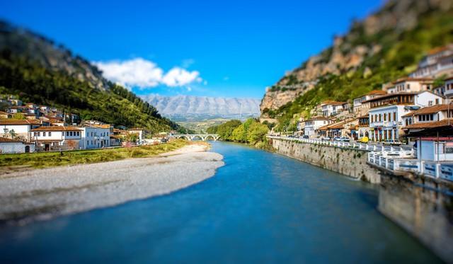 Albania – vùng đất đẹp ẩn mình giữa châu Âu - Ảnh 6.