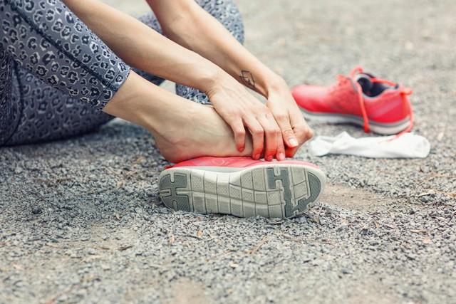 Nhìn bàn chân để đoán bệnh - Ảnh 2.