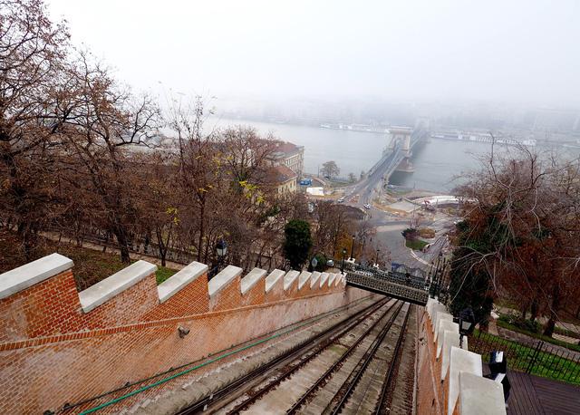 Đến Budapest để ngắm sông Danube - Ảnh 6.