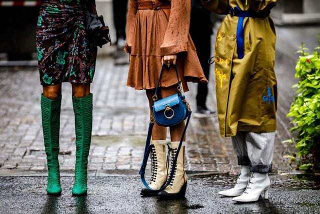 Thời trang đường phố tại New York Fashion week 2019 - Ảnh 1.