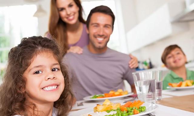Bữa tối: ăn như thế nào để khỏe mạnh? - Ảnh 1.
