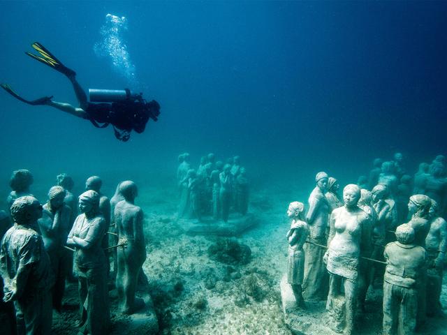 Lặn biển để ngắm những pho tượng bí ẩn và tuyệt đẹp - Ảnh 11.