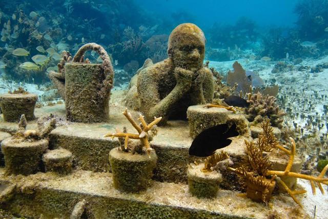 Lặn biển để ngắm những pho tượng bí ẩn và tuyệt đẹp - Ảnh 15.