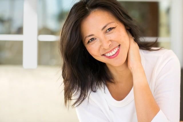 Phụ nữ bước qua tuổi 50: 5 lưu ý sức khỏe cần ghi nhớ - Ảnh 1.