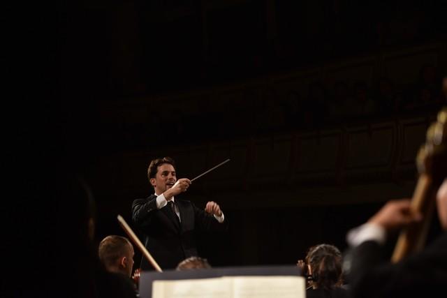 Đỉnh cao cổ điển với Jean-Yves Thibaudet và Dàn nhạc giao hưởng Mặt Trời - Ảnh 1.