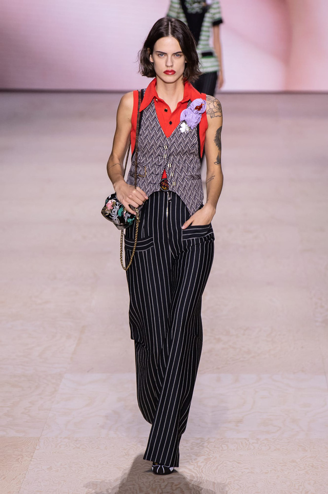 BST Xuân – Hè 2020 của Louis Vuitton: năm 1970 đã trở lại - Ảnh 6.