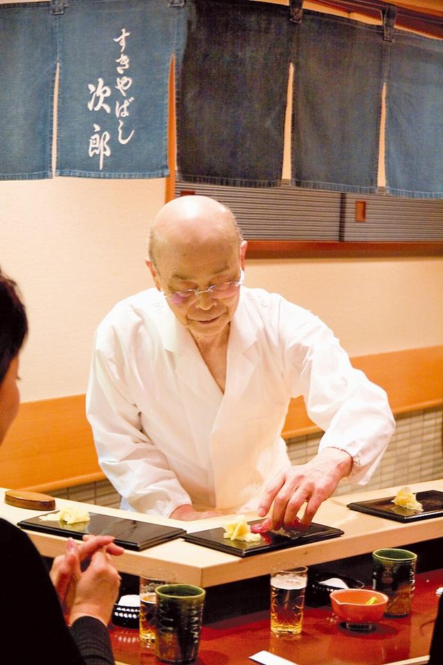 Câu chuyện về nhà hàng sushi ngon nhất thế giới vừa bị tước sao Michelin - Ảnh 5.
