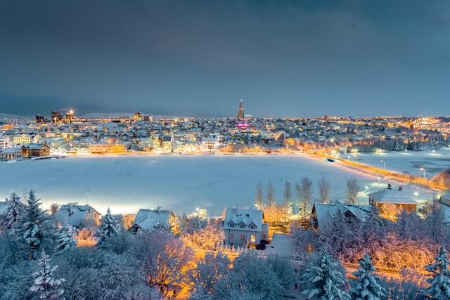 Giáng sinh như trong phim tại Reykjavik - Ảnh 1.
