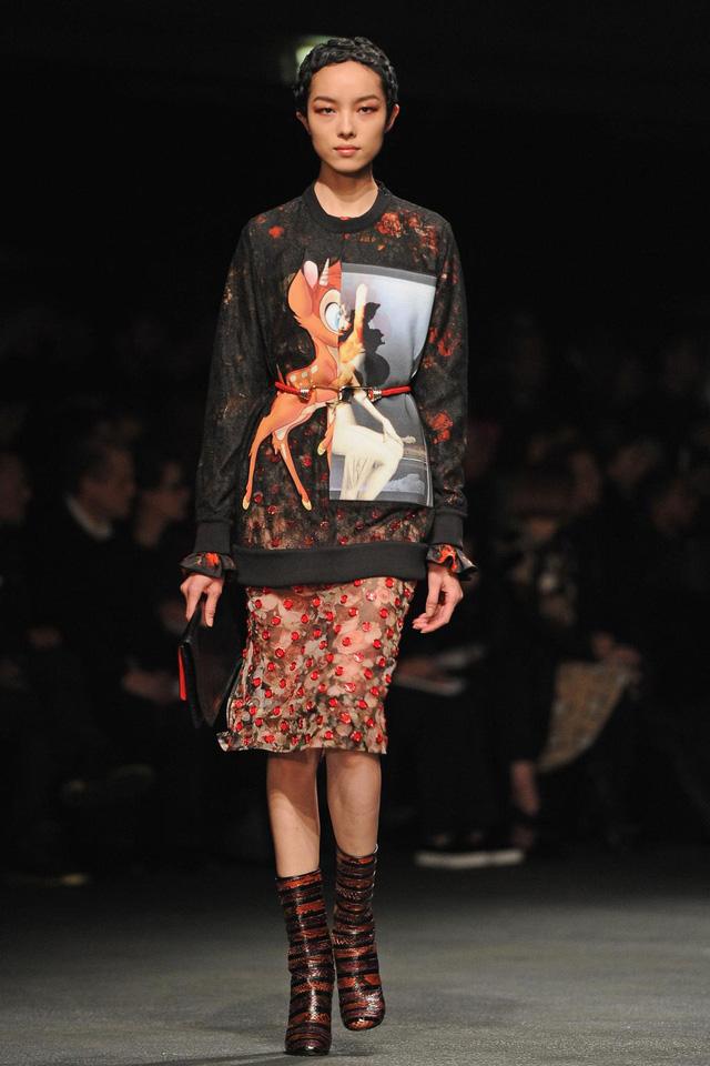 10 sản phẩm thời trang phủ sóng rộng khắp nhất trong thập kỷ qua - Ảnh 4.