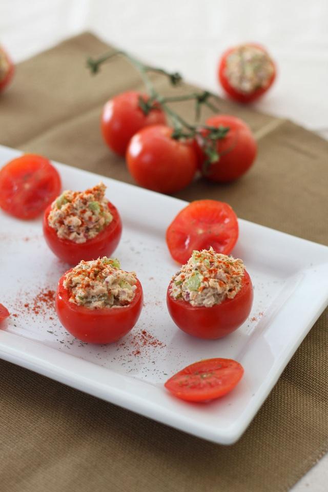 3 món cà chua nhồi đỏ tươi cho bữa tiệc năm mới - Ảnh 3.
