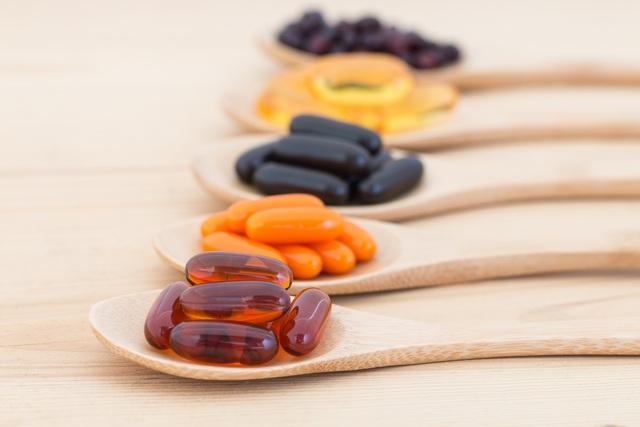 Đề phòng nguy cơ dị ứng khi dùng thực phẩm chức năng - Ảnh 2.