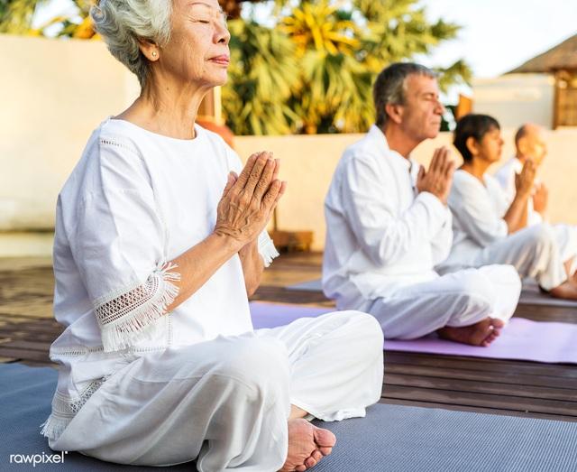 Yoga có lợi cho trí nhớ và điều tiết cảm xúc - Ảnh 2.