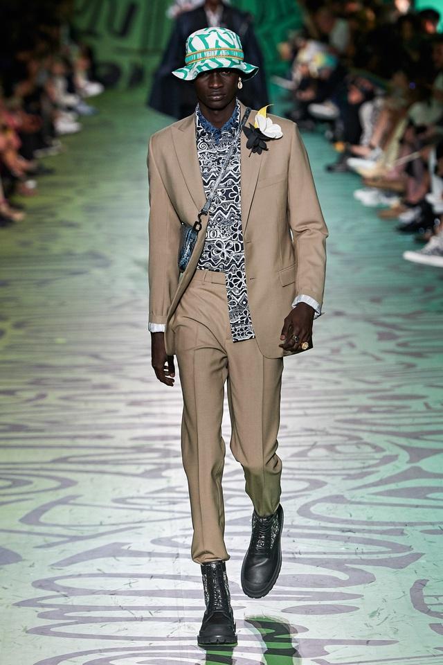 BST pre-fall 2020 dành cho nam giới của Dior: sắc màu biển nhiệt đới - Ảnh 5.