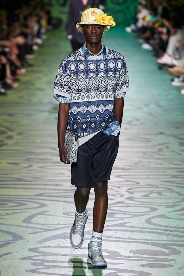BST pre-fall 2020 dành cho nam giới của Dior: sắc màu biển nhiệt đới - Ảnh 4.