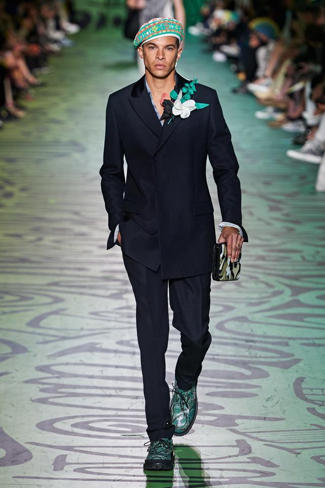 BST pre-fall 2020 dành cho nam giới của Dior: sắc màu biển nhiệt đới - Ảnh 12.