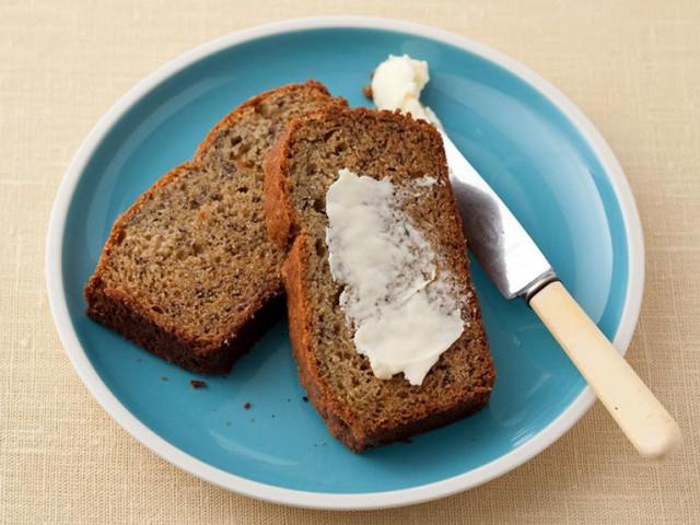 Cách làm bánh mỳ chuối thơm ngon - Ảnh 1.
