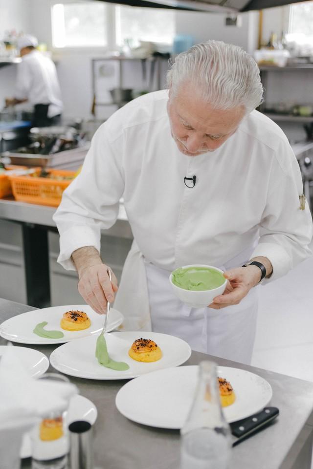 Một thực đơn đậm chất Pháp của bếp trưởng Michelin Alain Dutournier - Ảnh 2.