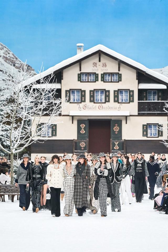 BST Thu - Đông 2019 của Chanel: lời tạm biệt tuyệt đẹp của Karl Lagerfeld - Ảnh 20.