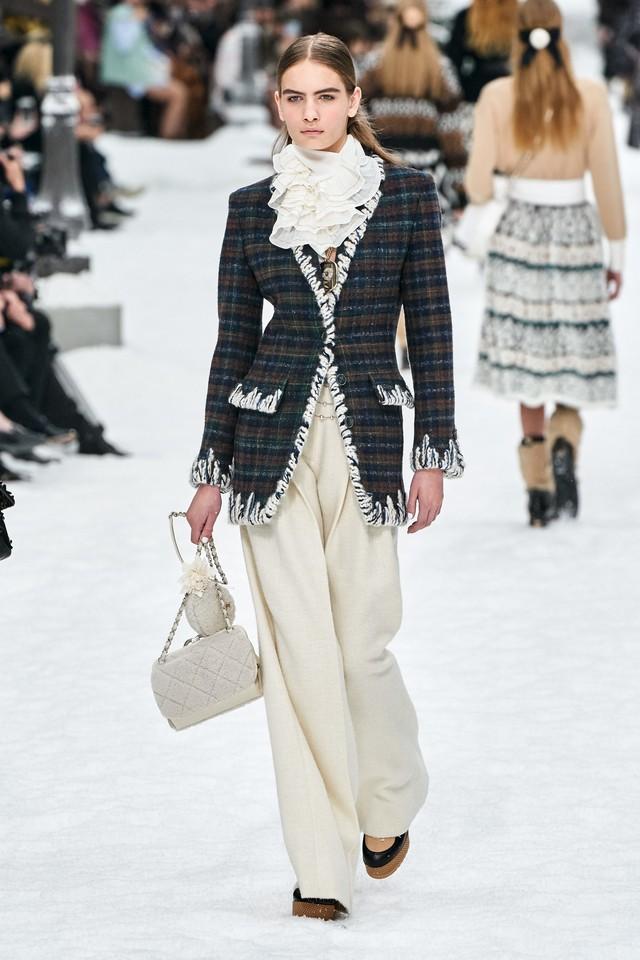 BST Thu - Đông 2019 của Chanel: lời tạm biệt tuyệt đẹp của Karl Lagerfeld - Ảnh 16.