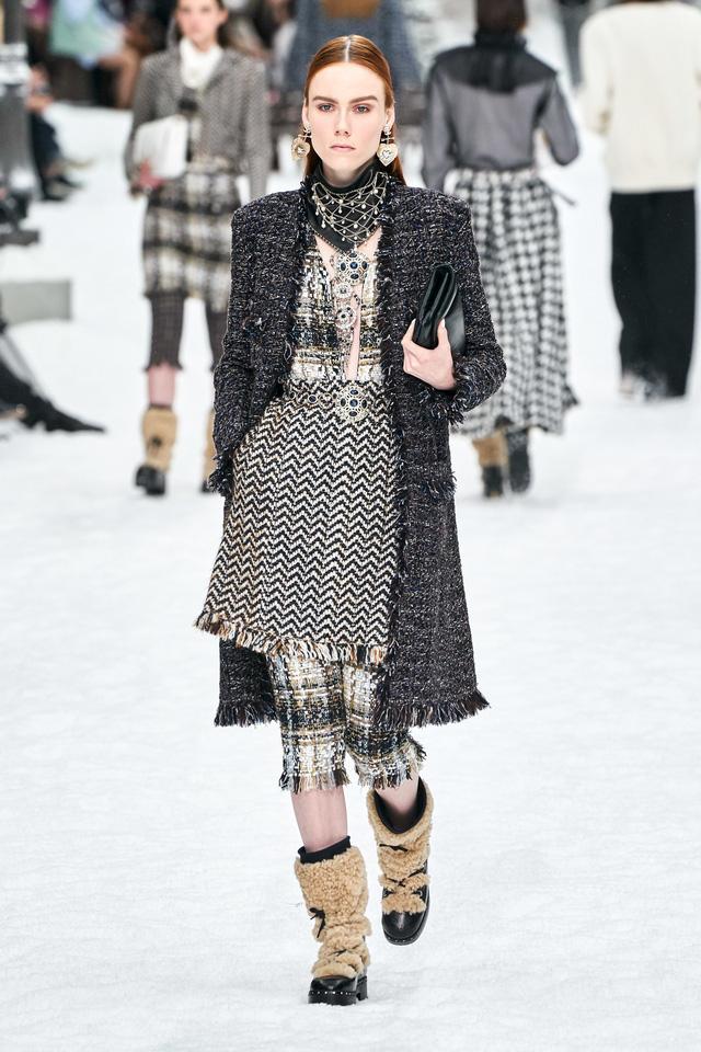 BST Thu - Đông 2019 của Chanel: lời tạm biệt tuyệt đẹp của Karl Lagerfeld - Ảnh 8.