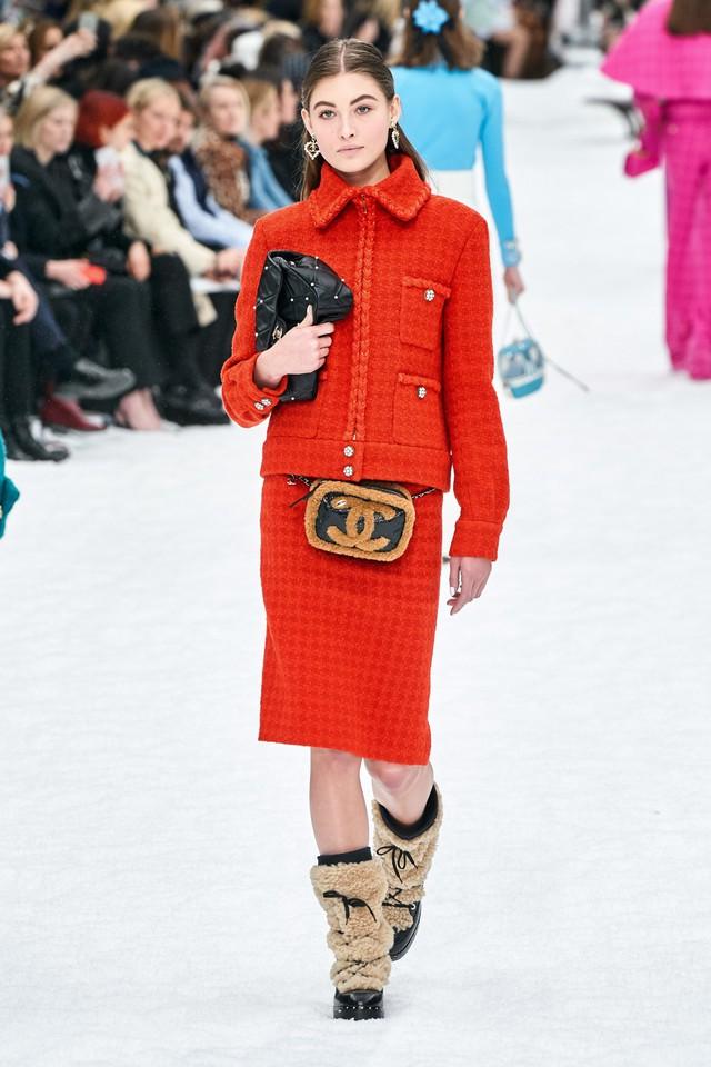 BST Thu - Đông 2019 của Chanel: lời tạm biệt tuyệt đẹp của Karl Lagerfeld - Ảnh 17.
