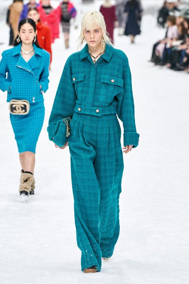 BST Thu - Đông 2019 của Chanel: lời tạm biệt tuyệt đẹp của Karl Lagerfeld - Ảnh 18.