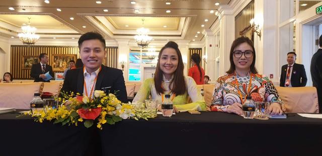 Nhà tạo mẫu tóc John Phan vinh dự được mời tham gia Đại hội Doanh nhân trẻ Bà Rịa - Vũng Tàu - Ảnh 2.