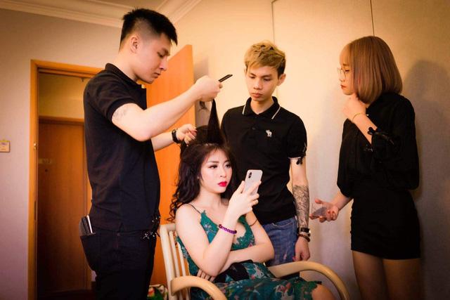 Nhà tạo mẫu tóc John Phan vinh dự được mời tham gia Đại hội Doanh nhân trẻ Bà Rịa - Vũng Tàu - Ảnh 3.