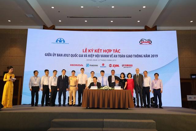 Ký kết hợp tác giữa Ủy ban An toàn giao thông quốc gia và VAMM - Ảnh 2.