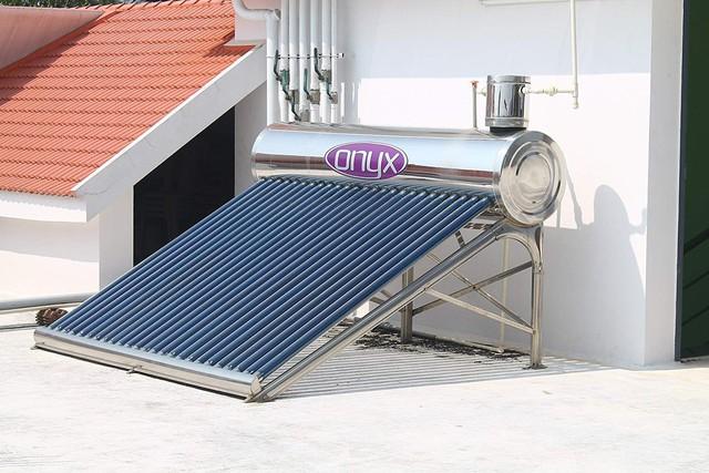 Bình nước nóng năng lượng mặt trời: có nên lắp không? - Ảnh 2.