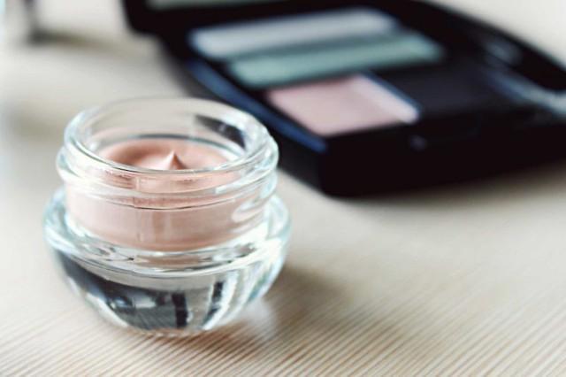 Xu hướng Invisible make-up: làm đẹp tự nhiên - Ảnh 2.