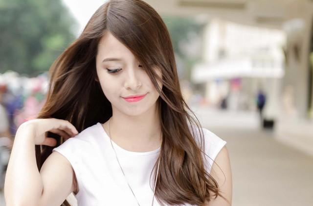 Mẹo nhỏ dưỡng tóc bóng mượt mùa nắng nóng - Ảnh 3.