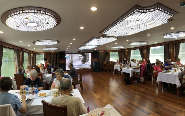 Oriental Sails khuyến mãi lớn đến 40% chỉ dành cho khách Việt - Ảnh 2.